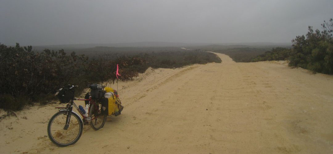 adventure cycling, road to Hopetoun, south coast of Western Australia